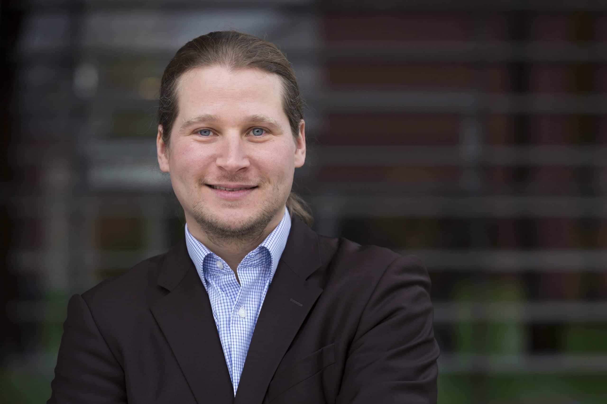 Bild zeigt IT-Service Geschäftsführer Tobias Ziegler